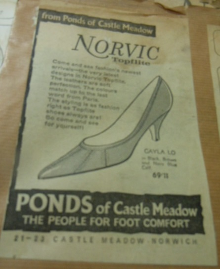 br-114-125-advert-ponds-castle-meadow-norwich