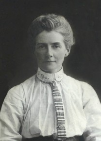 Picture of Edith Cavell as a young woman