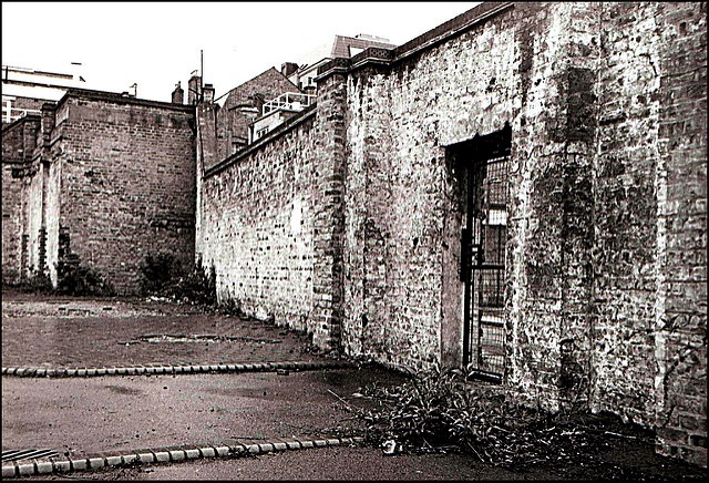 6 Marshalsea wall